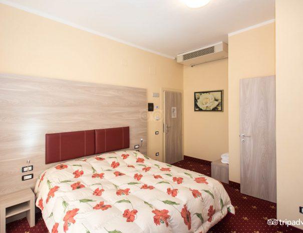 standard-room--v10551384